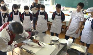 椿町中学校ー魚食1